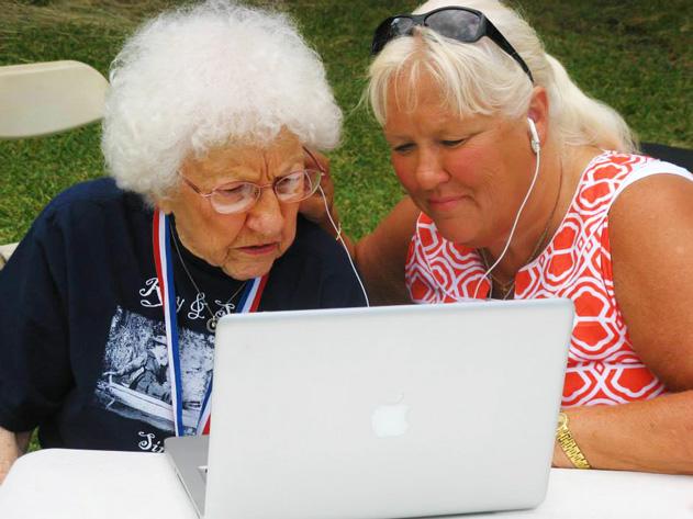 Helen & Josie at computer